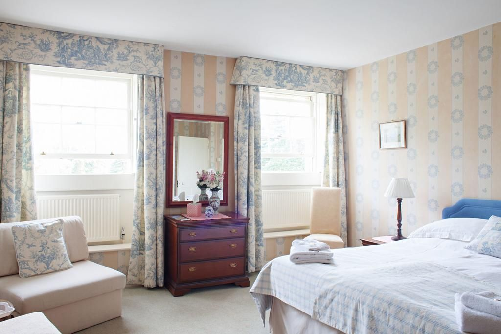 Step back in time and enjoy the spacious elegance of Sir Walter Elliot&#39;s house as filmed in the 1995 BBC production of Jane Austen&#39;s Persuasion!  http:// thebandbdirectory.co.uk/11156  &nbsp;   #Bathwick #Bath #Somerset #England #Holiday #Travel #EnglishBreakfast #Accommodation #JaneAusten #BBCProduction<br>http://pic.twitter.com/86ucn1du0x