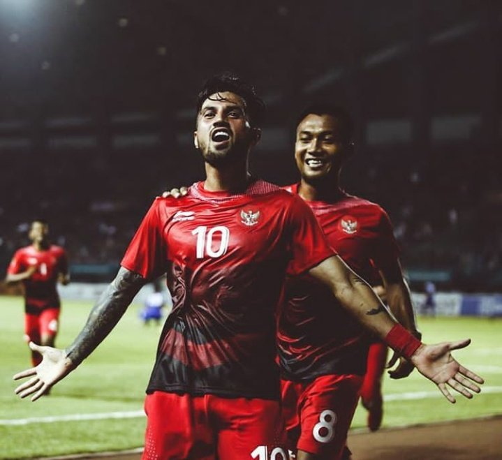 Full Time: Indonesia 3 - 1 Hongkong (Irfan Jaya; Stefano Lilipaly; Hanif Sjahbandi) What a comeback!!!! We are on top of Group A!!!! 1 goal and 2 assists from Lilipaly  Man of the match! Well done Garuda! Terimakasih  #TimnasU23 #TimnasDay #AsianGames2018 <br>http://pic.twitter.com/N5bToLvLAM