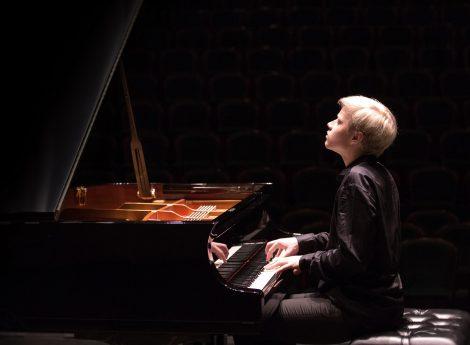 Due pianisti d'eccezione per i prossimi appuntamenti di Palermo Classica, Alexander Malofeev e Gloria Campaner (FOTO) - https://t.co/ob1vXMn1BD #blogsicilianotizie