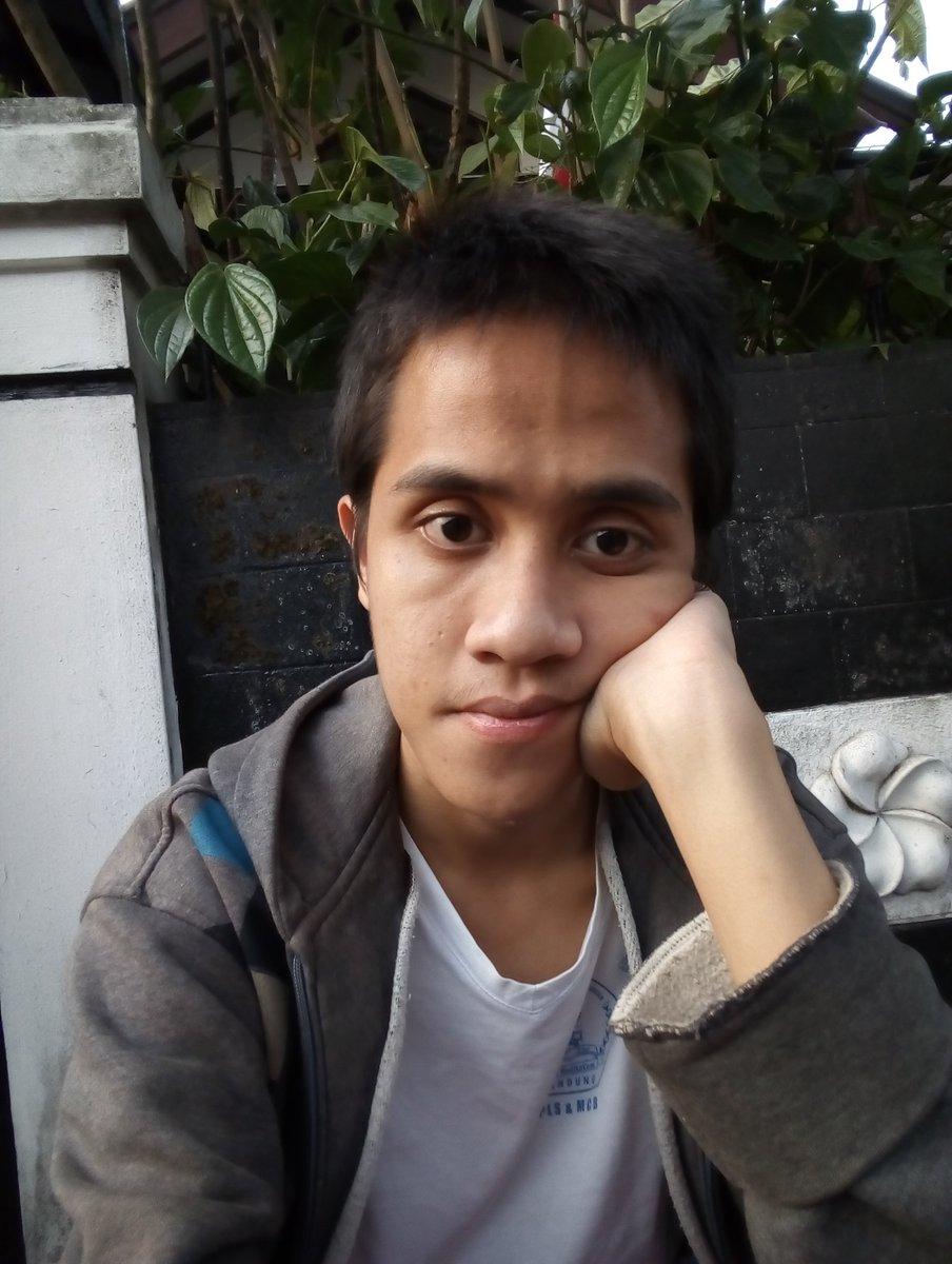 My last selfie before 20th birthday  #monday #indonesia #retweet #like #follow #tfbjp #teamfollowback #mustfollow #likeforfollow #sougofollow #followforlike #likeforretweet #retweetforlike #followforretweet #retweetforfollow<br>http://pic.twitter.com/JRLUw5M6Eh