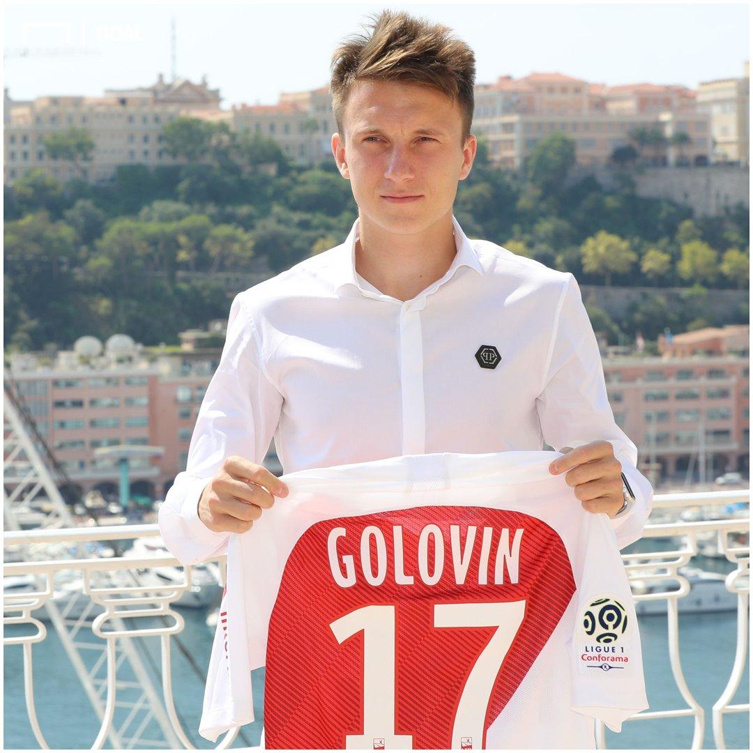 Russia star Aleksandr Golovin has been presented as a Monaco player! 🇲🇨 #ASM #Ligue1