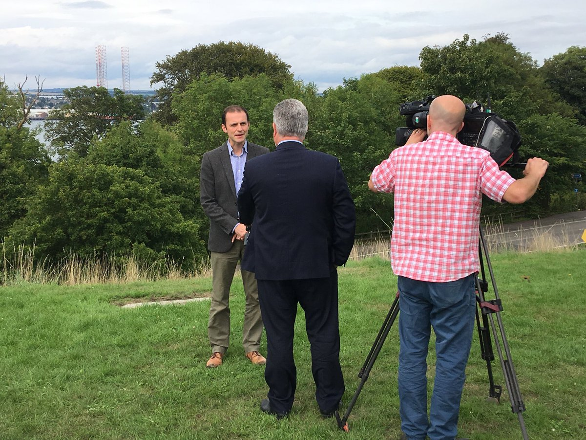 Being interviewed for tonight's @BBCScotlandNews calling for Labour to back @theSNP on Single Market and reject a hard Tory Brexit that will cost jobs, damage the economy and public services. <br>http://pic.twitter.com/r3hNYmTBUU