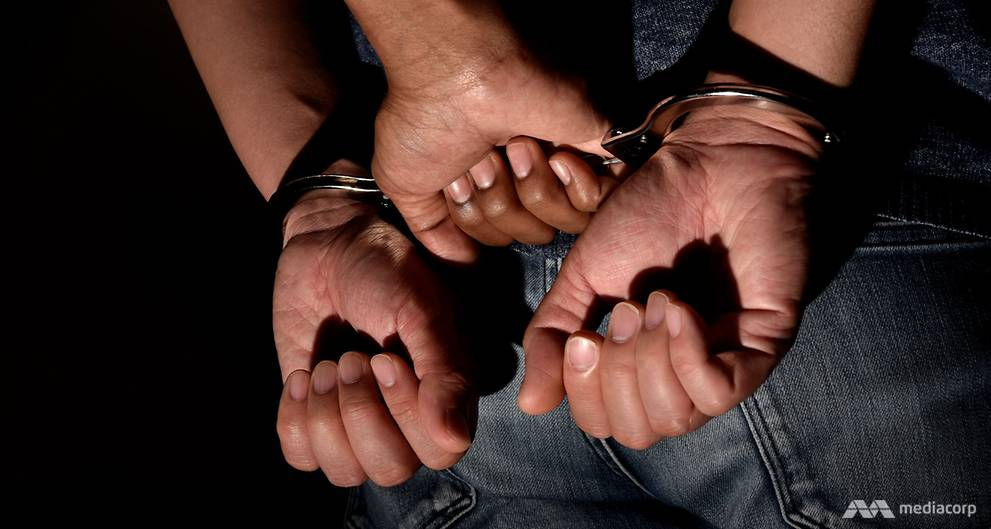 Man arrested for allegedly molesting 9-year-old girl https://t.co/LpmhiXsHk8