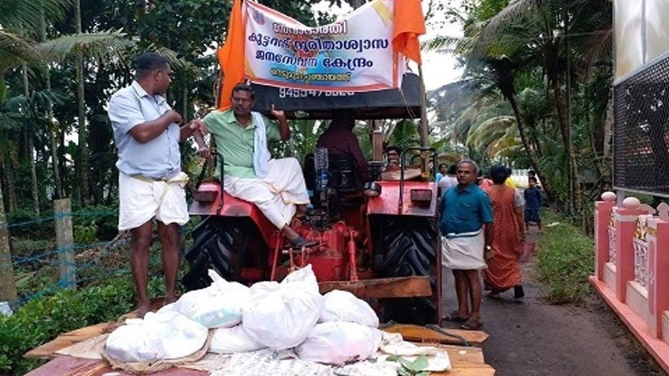 Hats off to Seva Bharati, working day and night in Kerala flood relief. Wondering where are @SitaramYechury, and their alliance tukde tukde gang. Irony is many politicians did not learn to love country, but did expertise in begging vote.  @SitaramYechury @Prakashkarat4pm<br>http://pic.twitter.com/BfNgxZUiQa