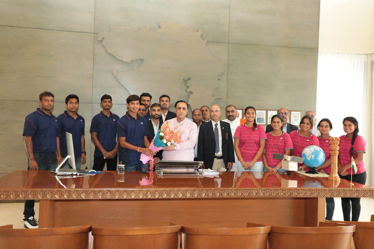 Indian Soft Tennis team, participating in the #AsianGames2018  at Jakarta in Indonesia, paid a courtesy visit to Gujarat CM Shri @vijayrupanibjp who extended wishes for grand success to the team that includes players from Gujarat<br>http://pic.twitter.com/bvFudu1D44
