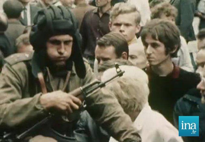 Il y a 50 ans, l'écrasement du printemps de Prague : les troupes du Pacte de Varsovie envahissent la ville #histoire 👉 https://t.co/fTQ6H18SwE