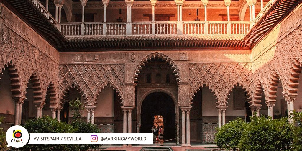 Here you have a peak at the Las Doncellas Courtyard in the Real Alcázar Palace of Sevilla. Impressive, right? #VisitSpain #Sevilla #SpainCulturalHeritage @sevillaciudad @viveandalucia