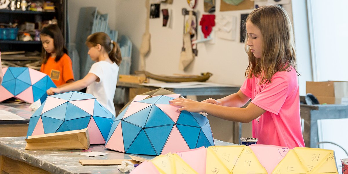 Create &amp; construct at the Junior School! Kids can explore architecture, painting, digital design &amp; more by taking an art class this fall. Ages 3-18 are invited to enroll &gt;  http:// mfah.org/juniorschool  &nbsp;  <br>http://pic.twitter.com/jGIrajLNh6