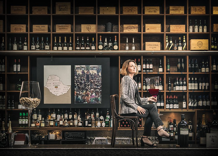 Virginie Brouard ~ Owner @Le_Di_Vin   Edinburgh's most sophisticated wine bar, in the heart of the West End beside La P'tite Folie restaurant. An elegant setting for a light meal or for those who like to relax with friends over a glass of wine. 🍷  tel:0131 538 1815 #hiddengems