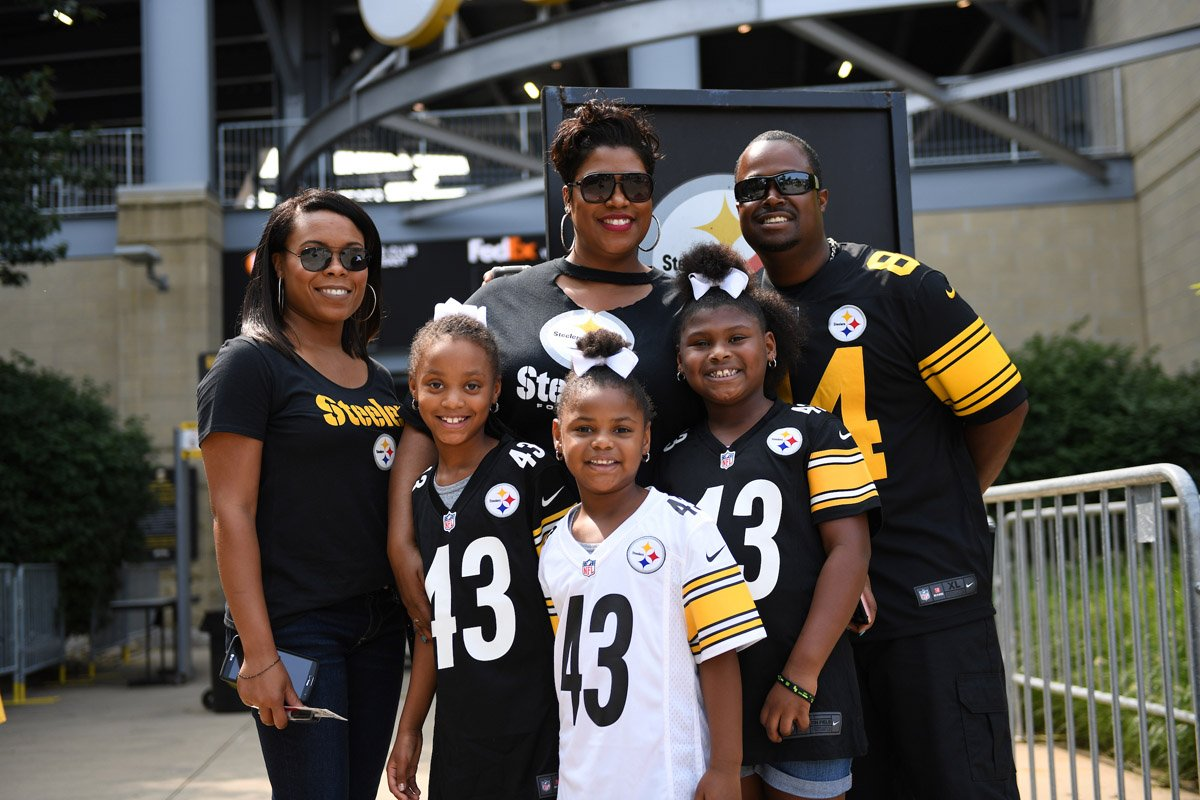 #FamilyFest at @heinzfield brought plenty of smiles to #SteelersNation! 📸: stele.rs/gksFxL