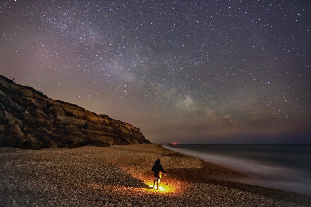 Sometimes it's good to stand alone and just enjoy the moment. #Hengistburyhead under our Night Sky  @VirtualAstro @BBCEarth  #Dorset @BBCStargazing<br>http://pic.twitter.com/G2wB893lOp