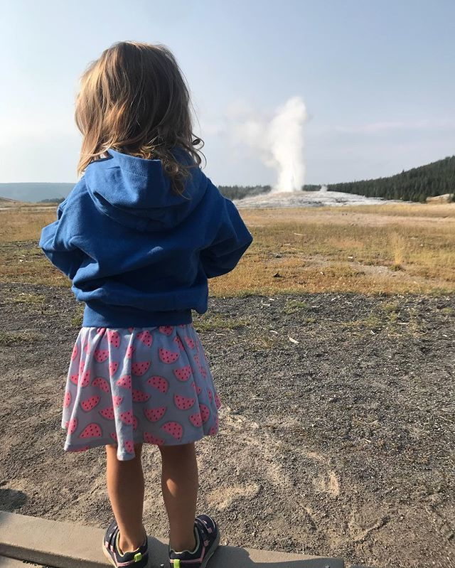 """VIP geyser viewing. A very special trip for my girls to the place where their dad & I came on our last trip bf our oldest was born. Back then, we bought her a little stuffed buffalo (""""my Buffy Buff"""") she's had since the day she was born. I let both girls… ift.tt/2wkRIJs"""
