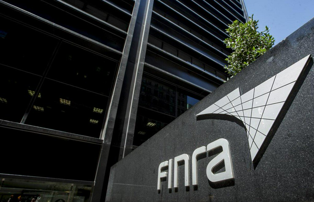 FINRA fines Interactive Brokers $5.5 million for short selling violations https://t.co/RmWxBdrGxe https://t.co/WGuABT6ti6