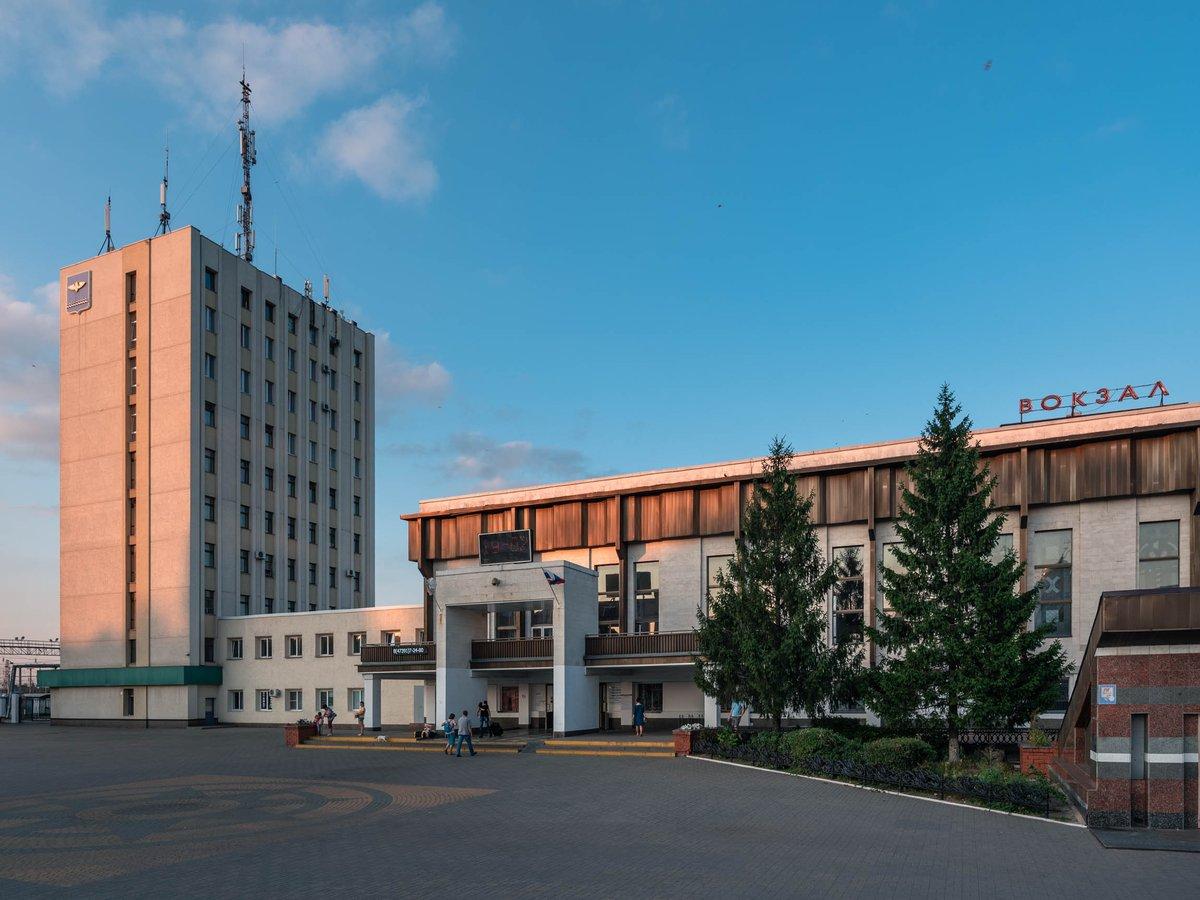 есть какая-то гостиница ржд станция лиски фото между тем ленинграда