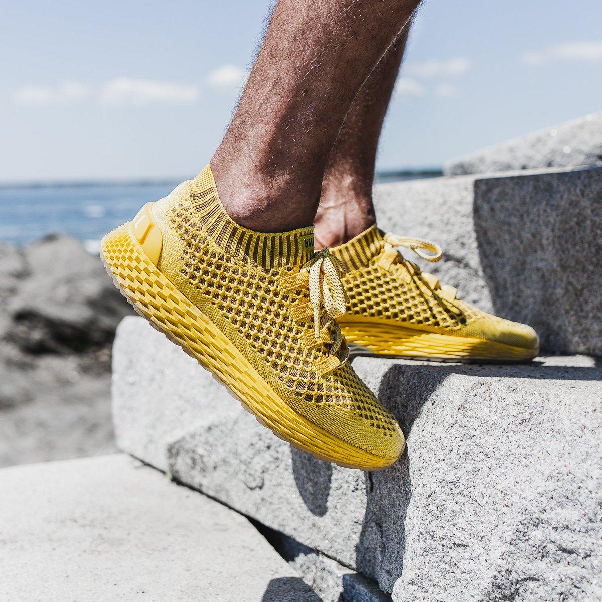 Lemon Drop Knit Runner