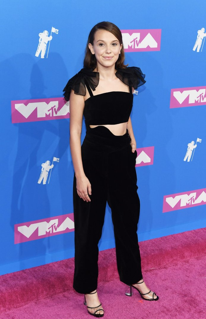 .@Milliestopshate representing Stranger Things and Godzilla: King of the Monsters by presenting at the VMAs (via @THR)
