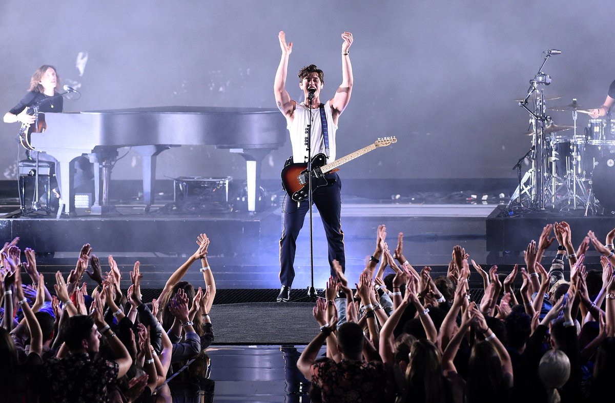 .@ShawnMendes KILLED it tonight! Super-stardom is in his blood 🤩! #VMAs #ShawnMendes #InMyBlood (📸 @GettyImages)