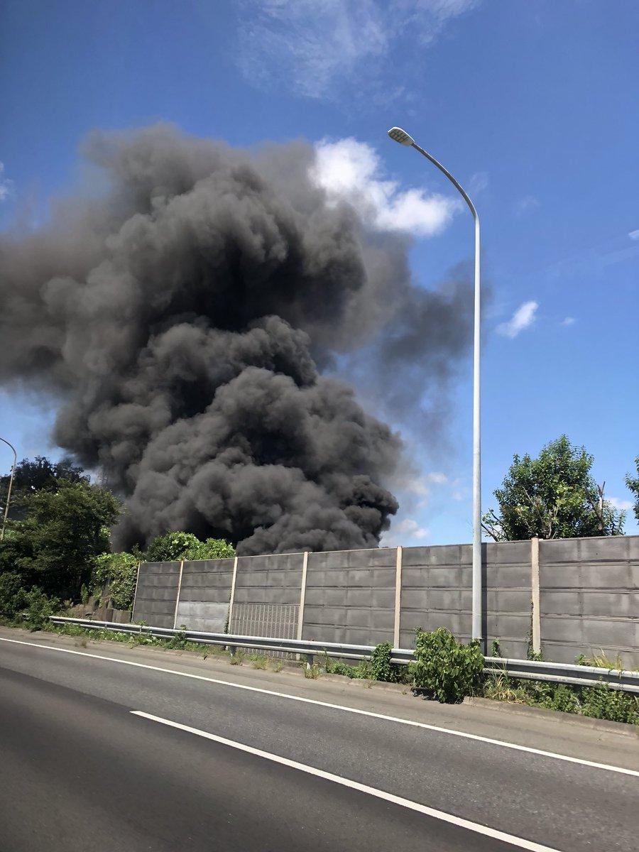 横浜市旭区桐が作のバイパス沿いで火事の現場の画像