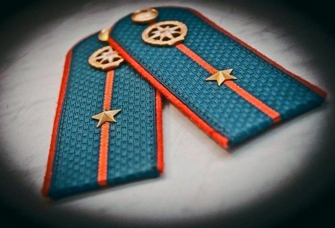 Днем, картинка с присвоением звания старший лейтенант