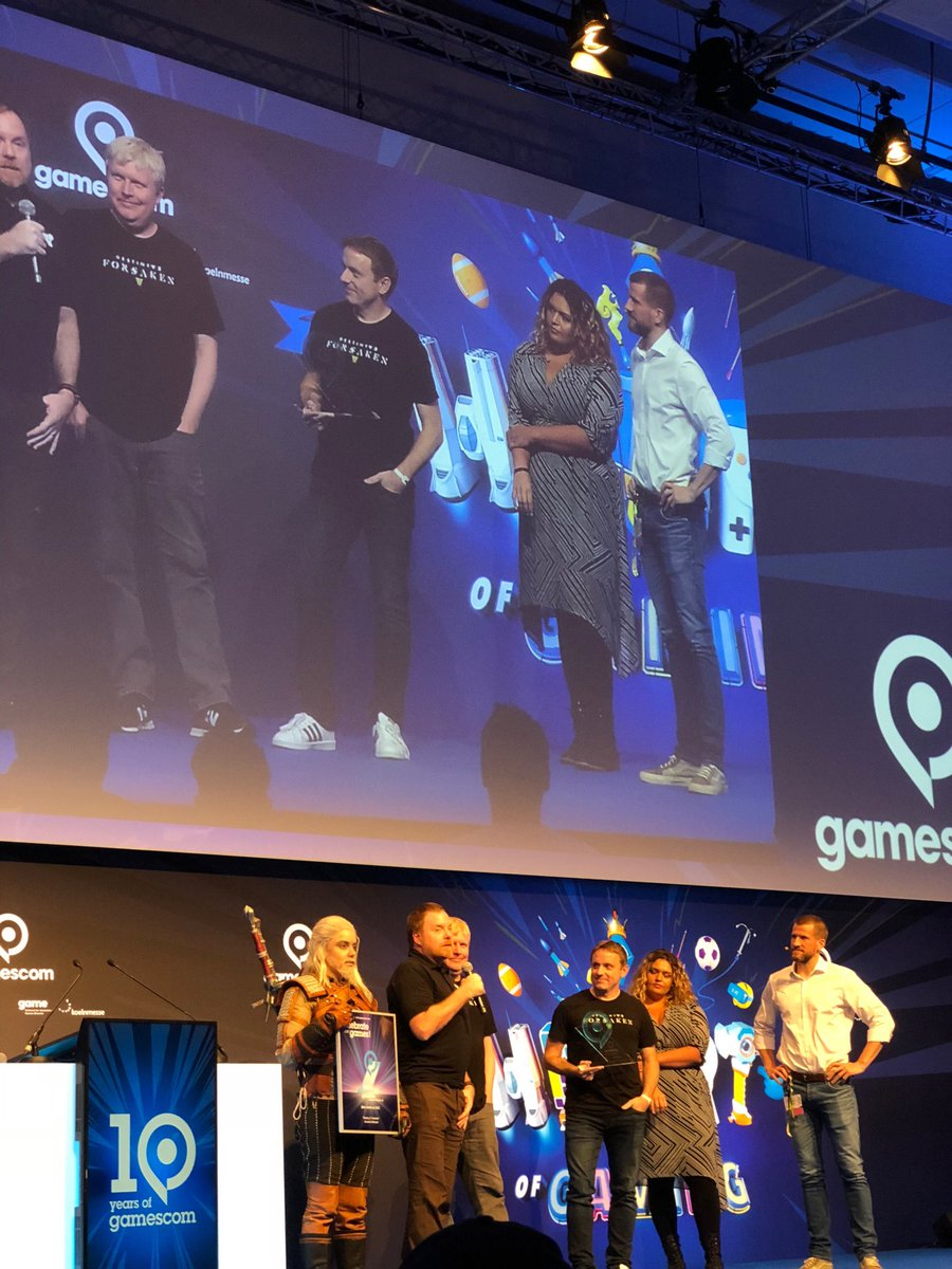 What a wonderful way to begin @gamescom! We were honored to accept this award for Destiny 2: Forsaken.