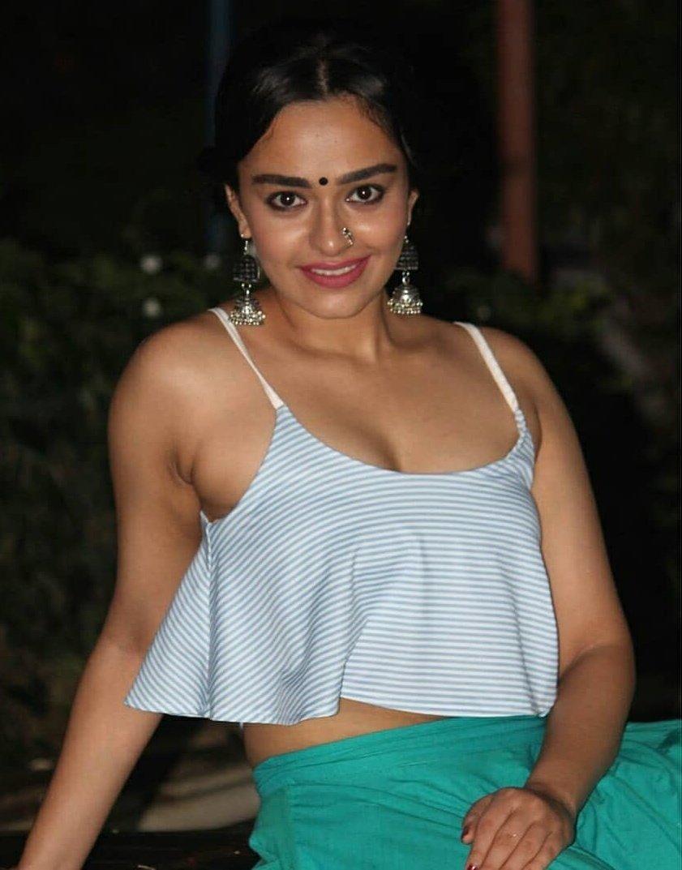 Khushboo Grewal Height Weight Bio Hot Sexy Bikini Pics Profile Famous People