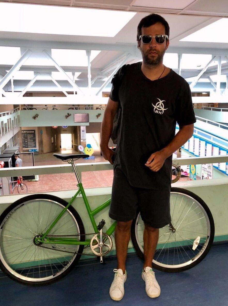 нагрева иван ургант на велосипеде фото также изображать тончайшие