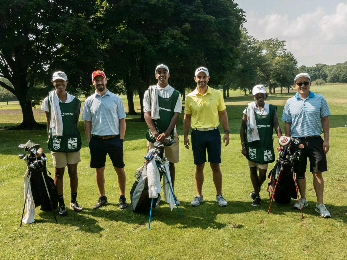 Thanks to the many Evans Scholars Alumni supporting the @WGAESF Caddie Program @ChicagoParks Jackson Park Golf Course. Powerful mentors, skilled trainers...and of course, kind tippers! Seen here (left-to-right) from @UniversityofIl: Jeff Starr 08, Joseph Drozd 09, Mike Moy 08
