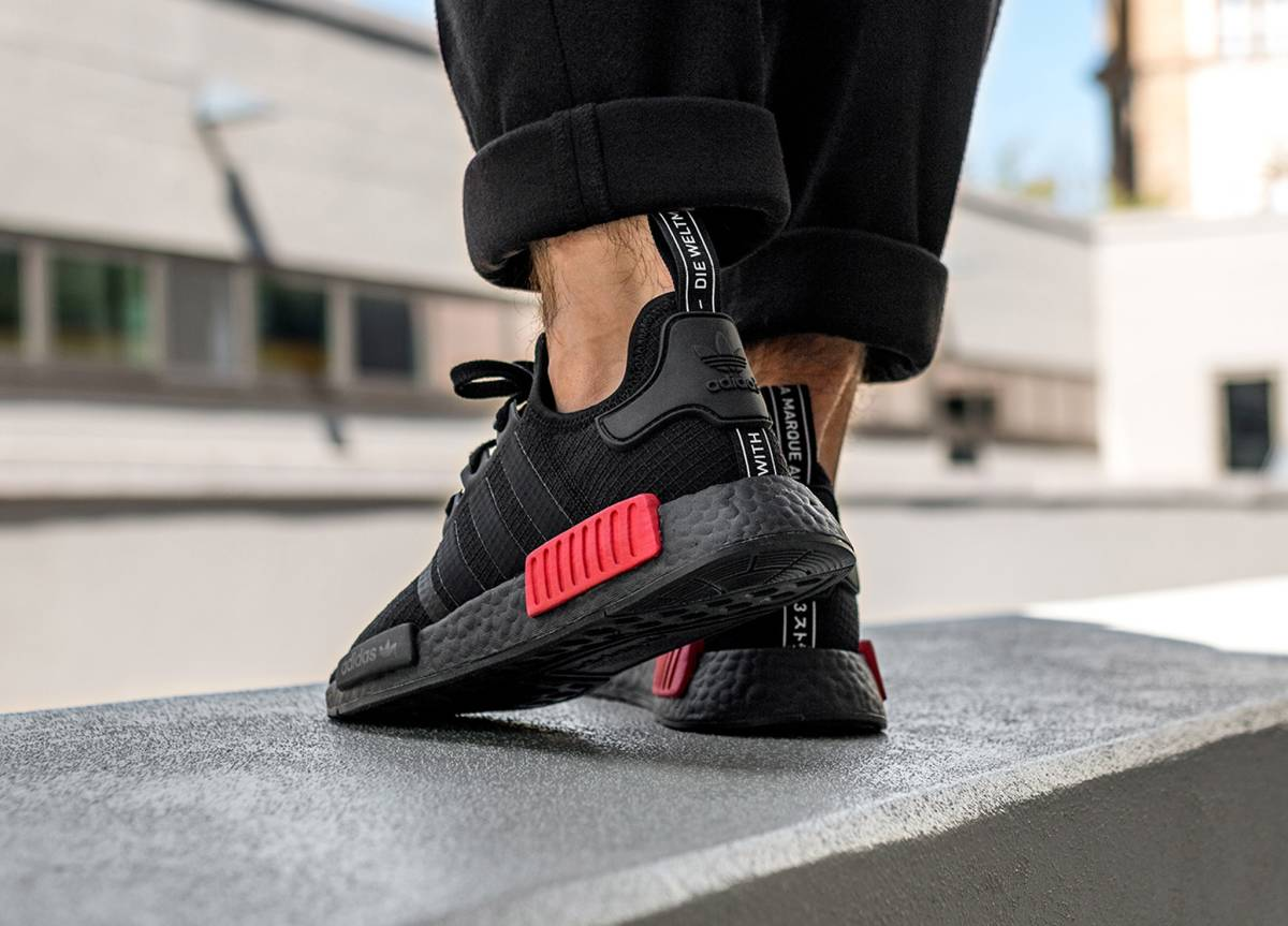 a86a36799 NEW adidas NMD R1 BRED. LIVE EARLY at BSTN Link   http   bit.ly 2PoUu94 pic. twitter.com eYZNFZcSv3