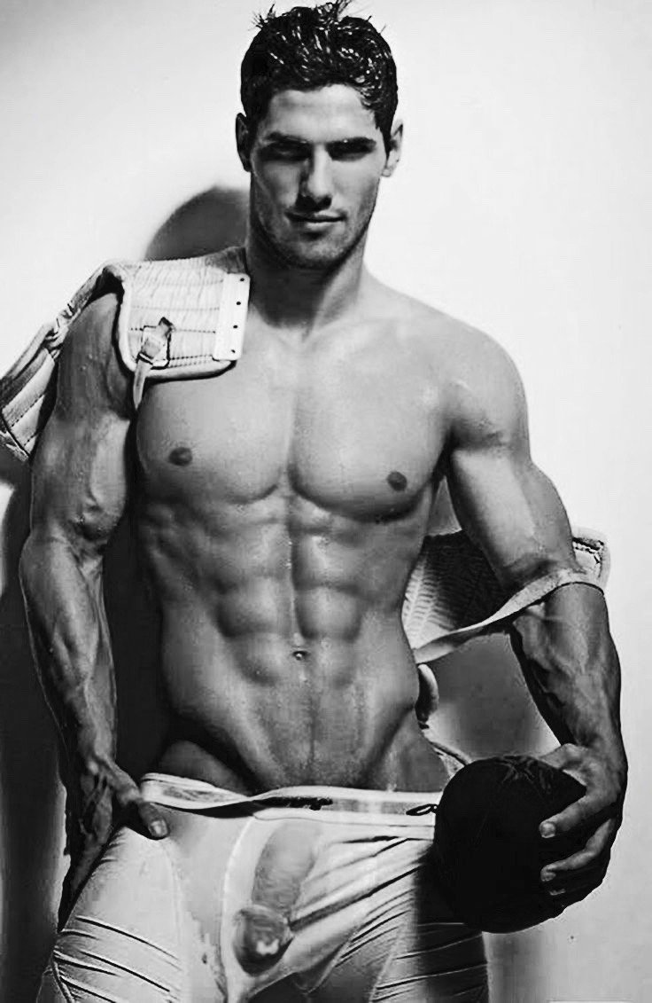 #TuesdayTease #sexyman ������ https://t.co/JRFn1I26z0