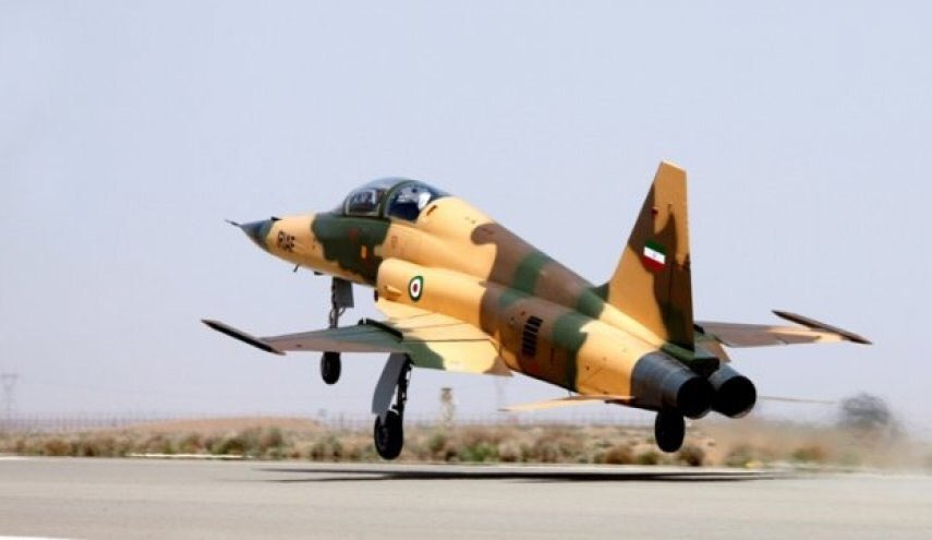 """ما وراء الطائرة الإيرانية الأحدث """"كوثر"""" DlJGQbQW4AA8MnS"""