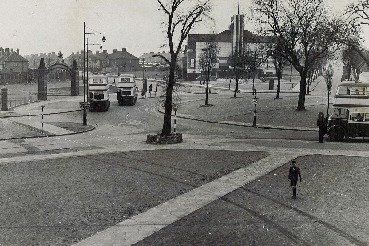 Kingstanding Circle in 1950 ©Trinity Mirror