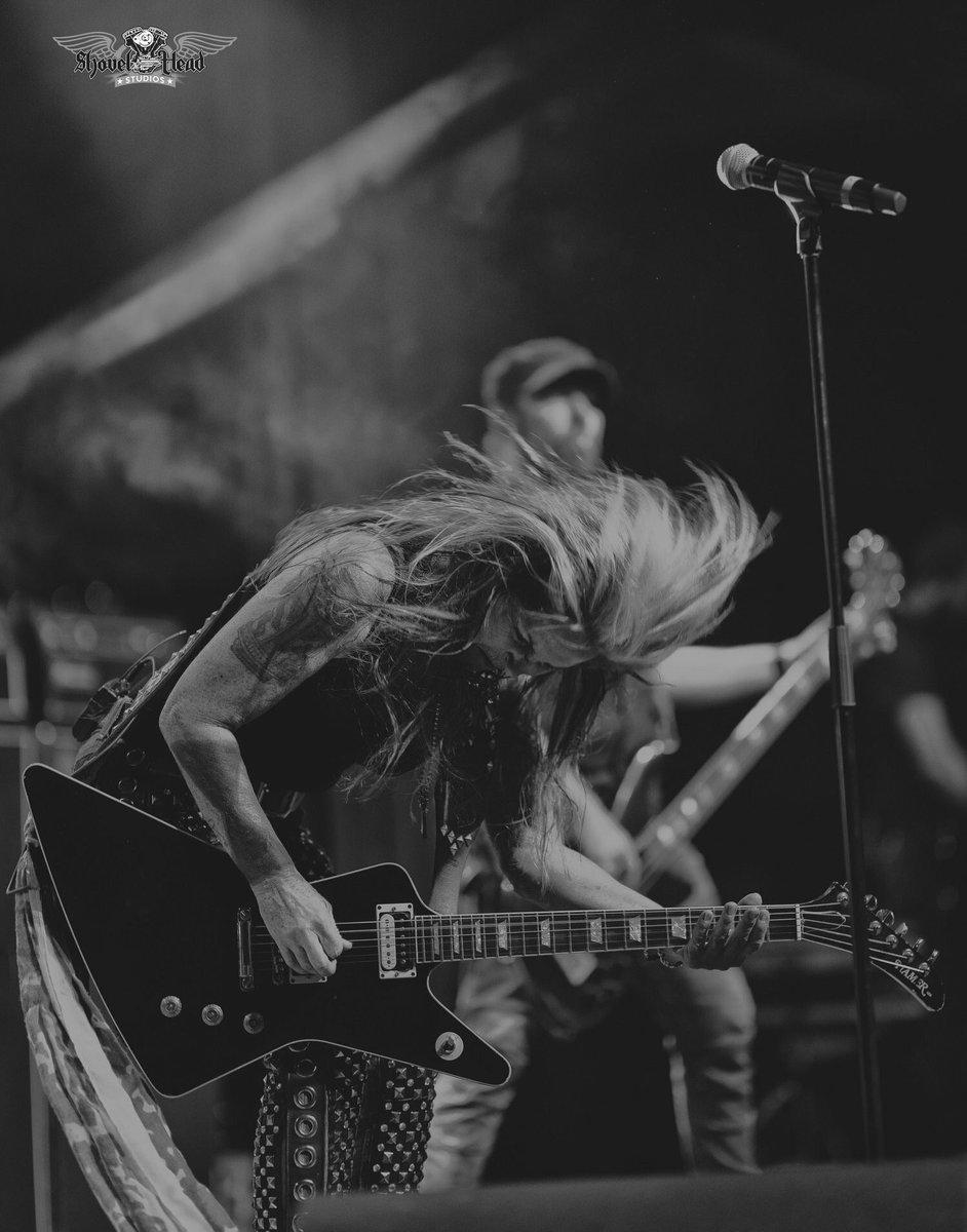 Killer live-shot from Kansas City by #ShovelheadStudios! Headed for Highland, CA & Las Vegas, NV next! Tour Dates / TIX: LitaFordOnline.com Aug 24 - Highland, CA @SanManuelCasino / @RockAndBrewsSM (2 shows at 8pm & 10pm) Aug 25 - N. Las Vegas, NV @CanneryCasino (+ Vixen)