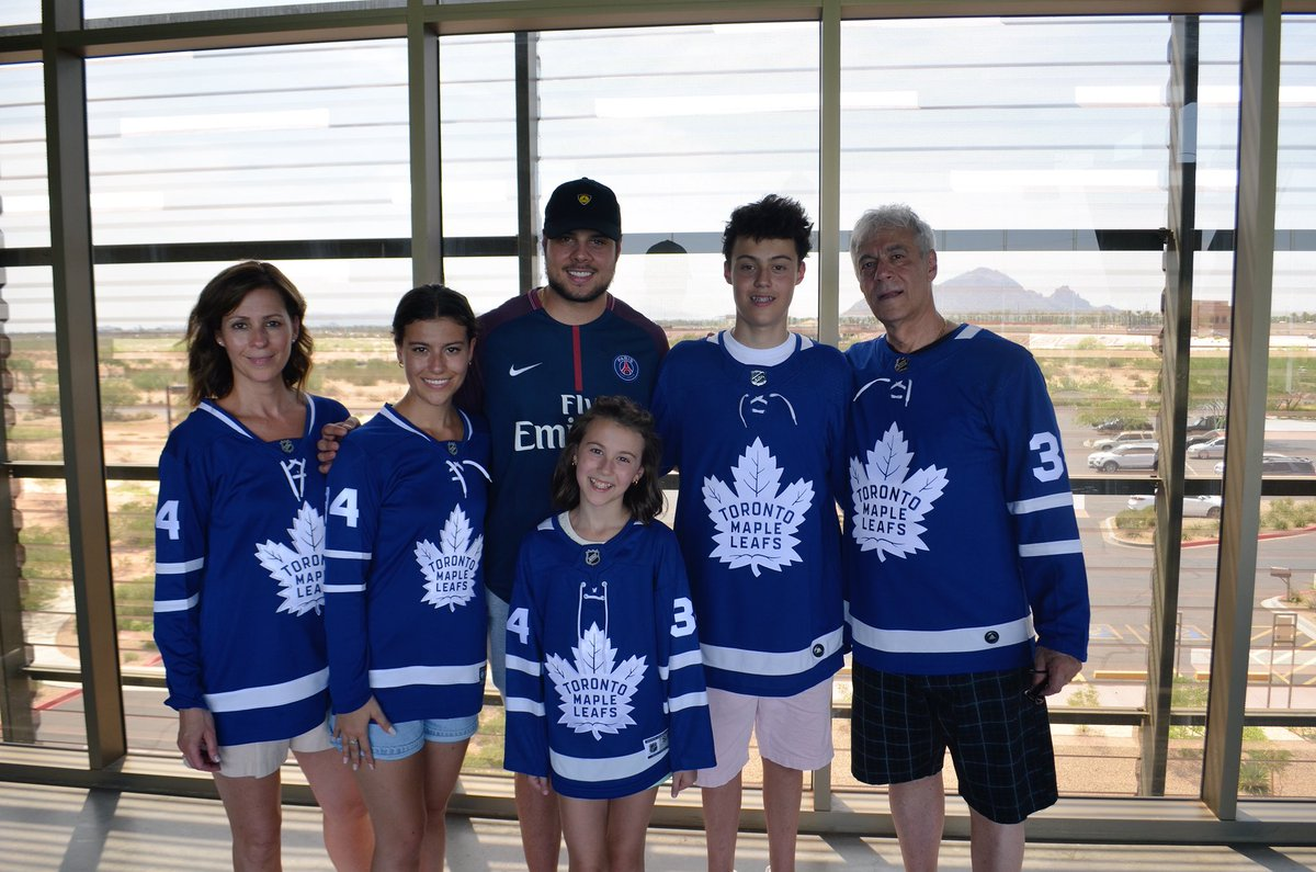 Spent the day golfing with @ScotiaHockey Club's grand prize winner Olivia and her family yesterday! What a great time with great people. #leafsnation