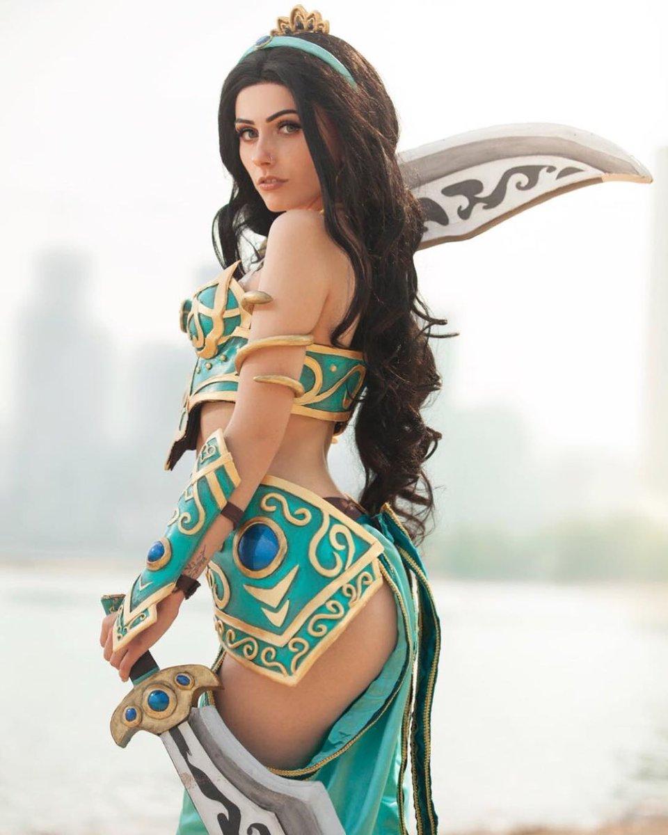 """Aladdin Sexy sexy nerdy on twitter: """"awesome jasmine cosplay"""