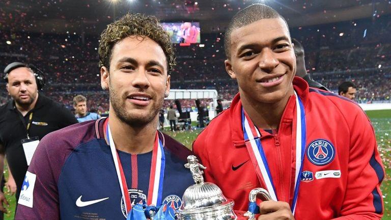 Attento @PSG_inside il Real Madrid osserverà la Sentenza da parte della @UEFAcom Venerdì 24 Agosto, e pronto a fare follie per Neymar e Kylian Mbappe. #SkySport #UEFA