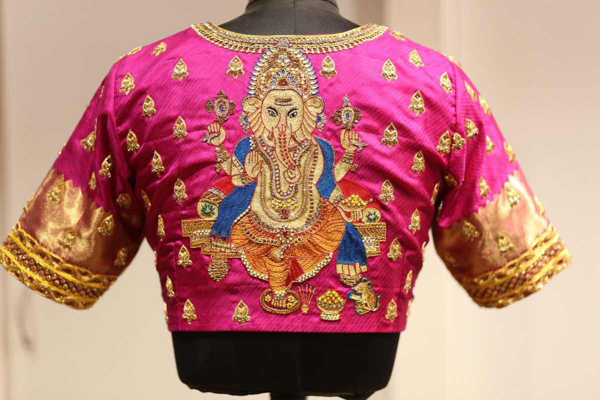 5dbff85771fbf3 #Sankalp -The #bridal destination #DM for ordering . . . . . #bridalblouse # blouse #blousedesign #blousebigsize #blousemodern #designblouse  #weddingblouse ...