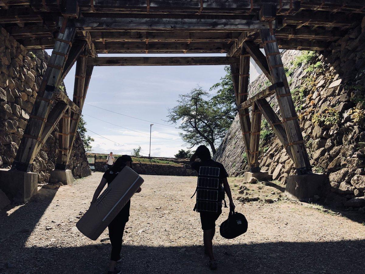 彦根城をくぐる睡眠お悩み解決隊