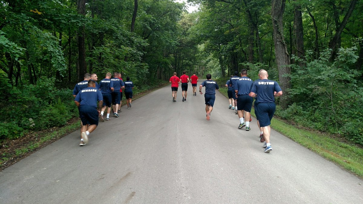 Topeka Police Nothing Like An Early Morning 45 Mile Run With TPD Class 55 To Get The Blood Flowing Tpdclass55
