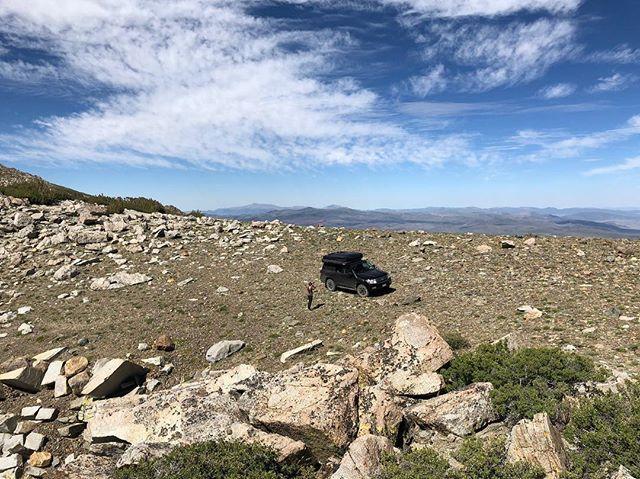 Top of the world. (Or at least it seemed so )! . . #rhinoadventuregear #outsideisbetter #landcruiser200 https://ift.tt/2BCN7YZpic.twitter.com/vUqxdF1P4M
