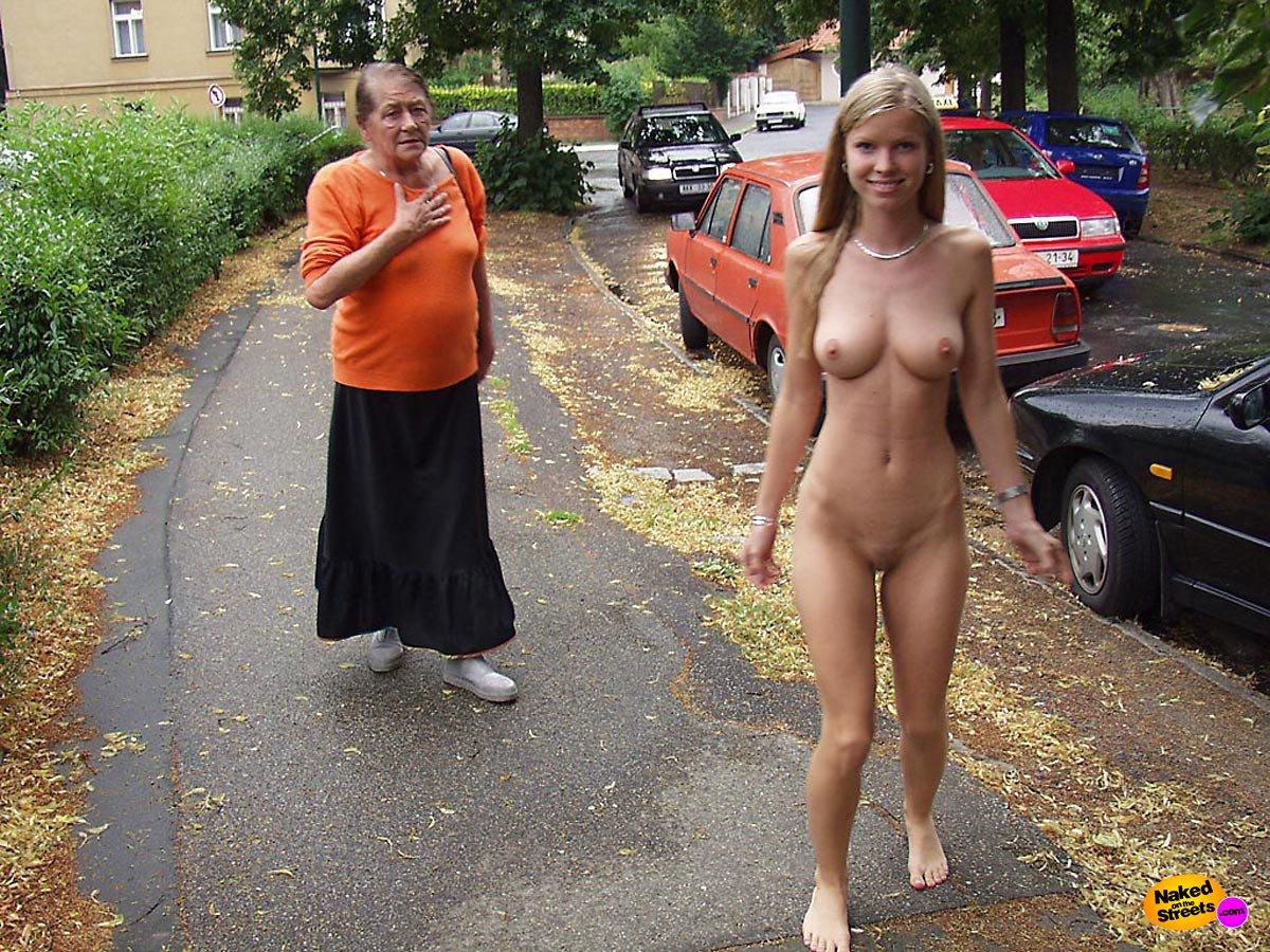 голые дамы на улицах видео - 8