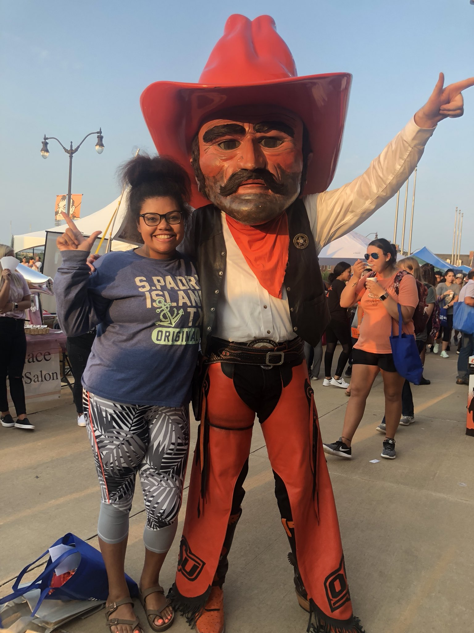 """ahja alexander 🍯 on twitter: """"""""always take a pic with pistol pete"""
