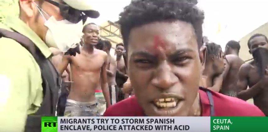 """Résultat de recherche d'images pour """"migrants ceuta chaux vive acide"""""""