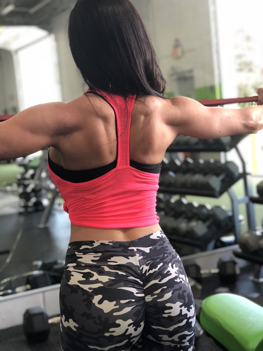 Kendra Lust workoutmotivation humpday lustarmy twitter @KendraLust