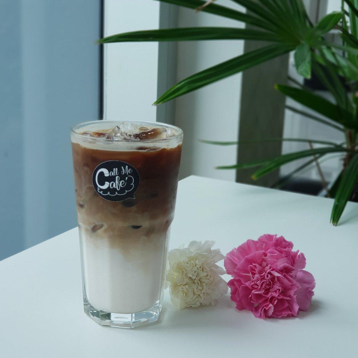 Rose Latte หอมกุหลาบมากๆ  ชั้น2 ตึกเทเลวิซ เดินเข้ามาทางซัมซุงแล้วขึ้นมาชั้น2เลยจ้า  เปิดทุกวัน 8.30-17.30 ลูกค้า Ais ลด10บาททุกเมนูเครื่องดื่ม ลูกค้า Dtac ซื้อ2 แก้วลด10บาท  #callmecafe #รีวิวอุดร #รีวิวอีสาน #reviewudon #cafeudonthani #udonthani #roselattepic.twitter.com/be4R9fWuQ6