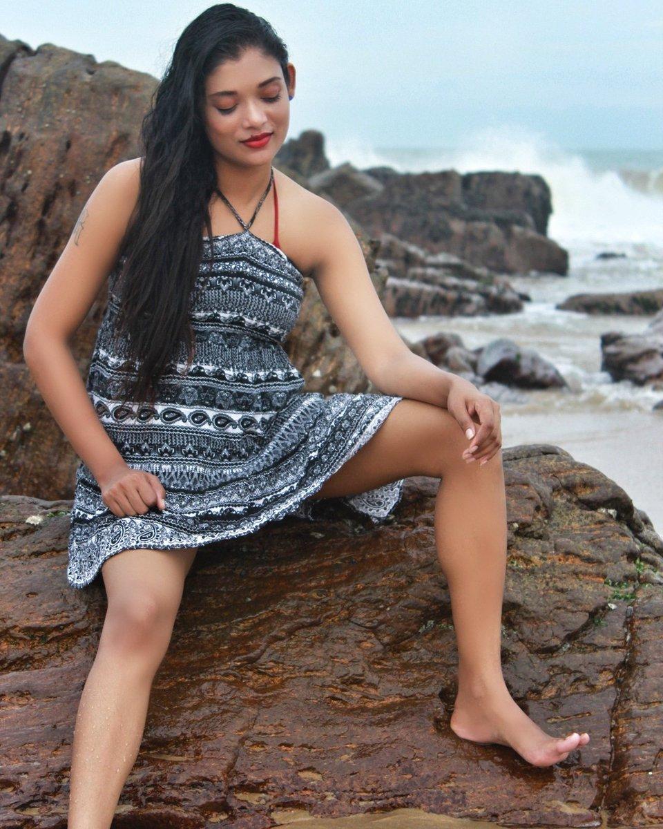 Random click at DAAMINI VILLAA shoot #rekhaboj #daaminivillaa #bondgirlpic.twitter.com/fbx2bDvXjG