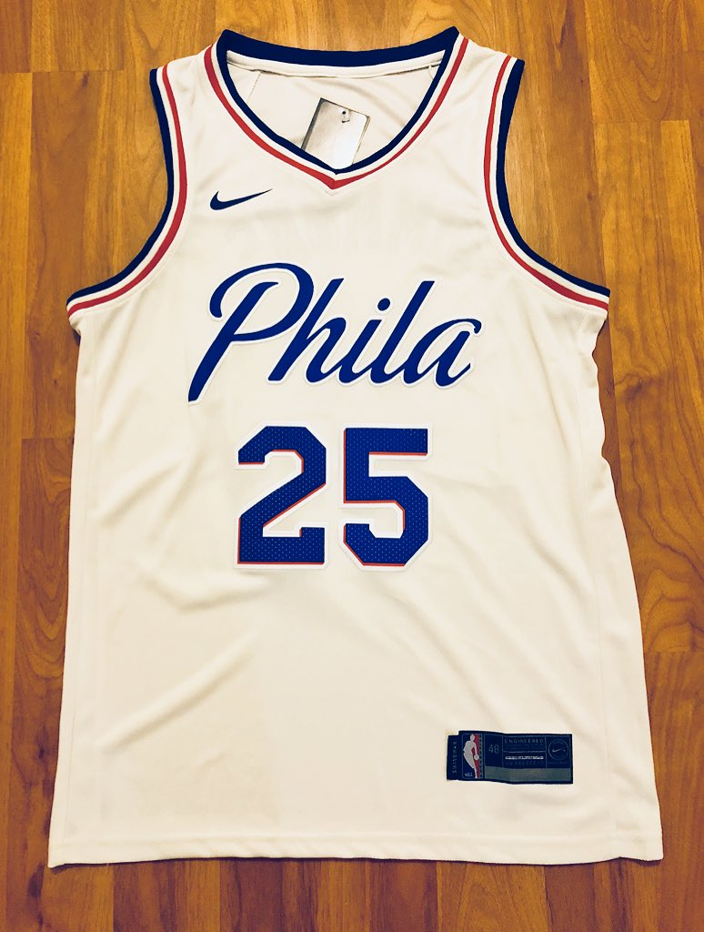 🚨SIMMONS JERSEY GIVEAWAY🚨  RETWEET for a chance to win. (must be following)  Winner will be randomly selected on Thursday, August 30th.  Good luck! https://t.co/TW0L9MH7yL