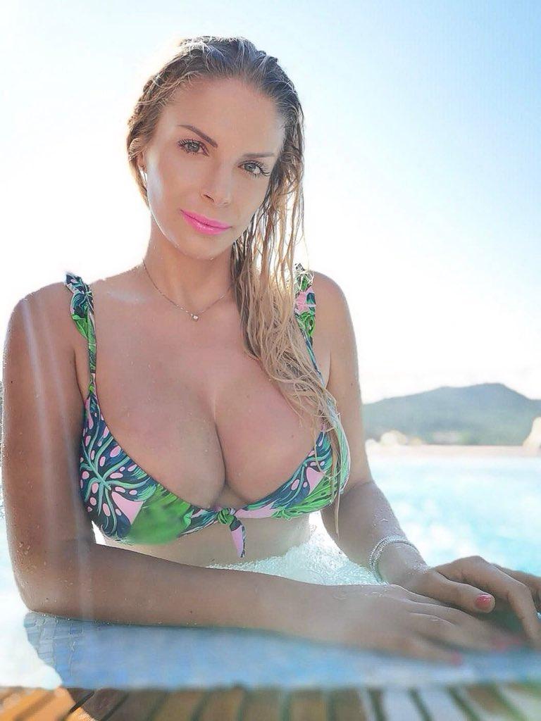 Francesca Cipriani  - Mi scusi ma twitter @CiprianiFranci