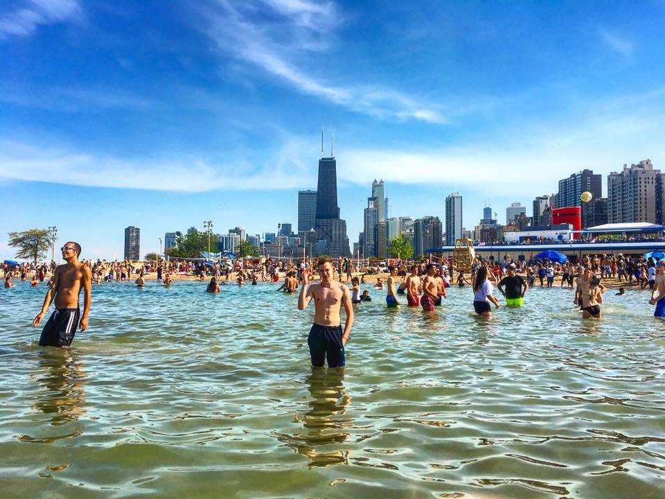Castaways Chicago A Twitteren The