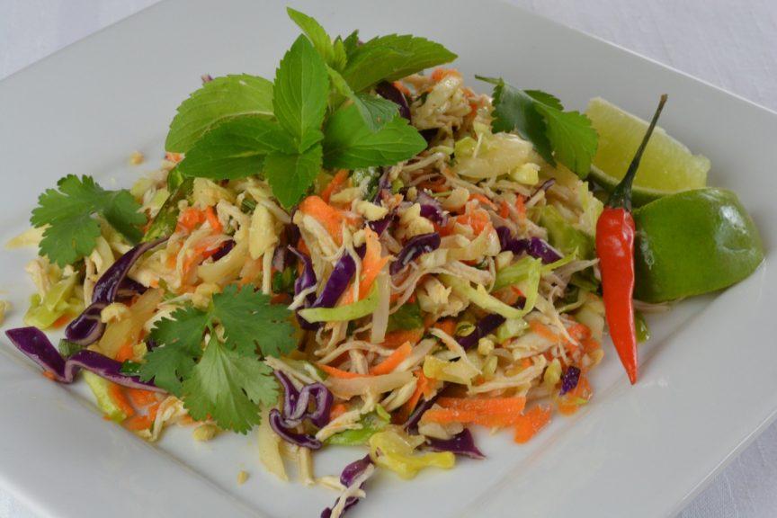 #summersalads - This Vietnamese Cabbage #Chicken Salad is fresh tasting & #healthy https://t.co/EP7QdGMAdT https://t.co/sAFYRrnAXd
