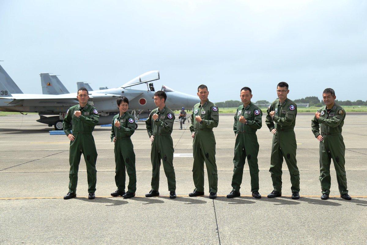 شابة تتولى مهامها كأول قائدة طائرة مقاتلة في اليابان DlV8eUKUUAE_NAb